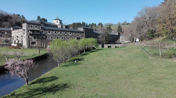 pension-santa-rosa-samos-monasterio