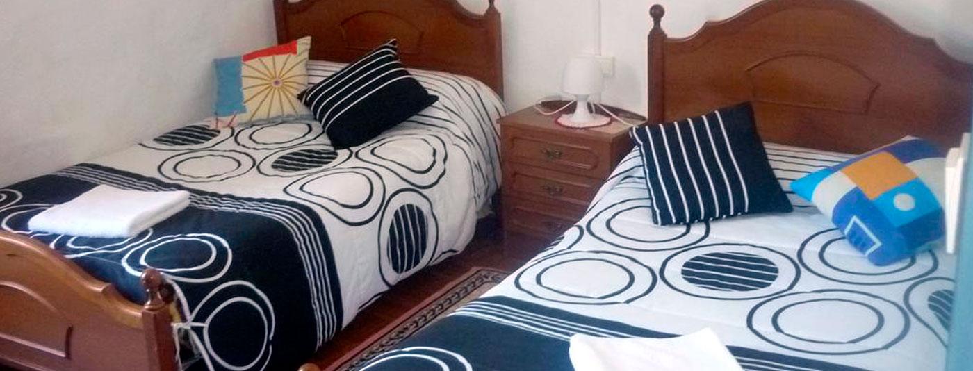 alojamiento en samos habitacion