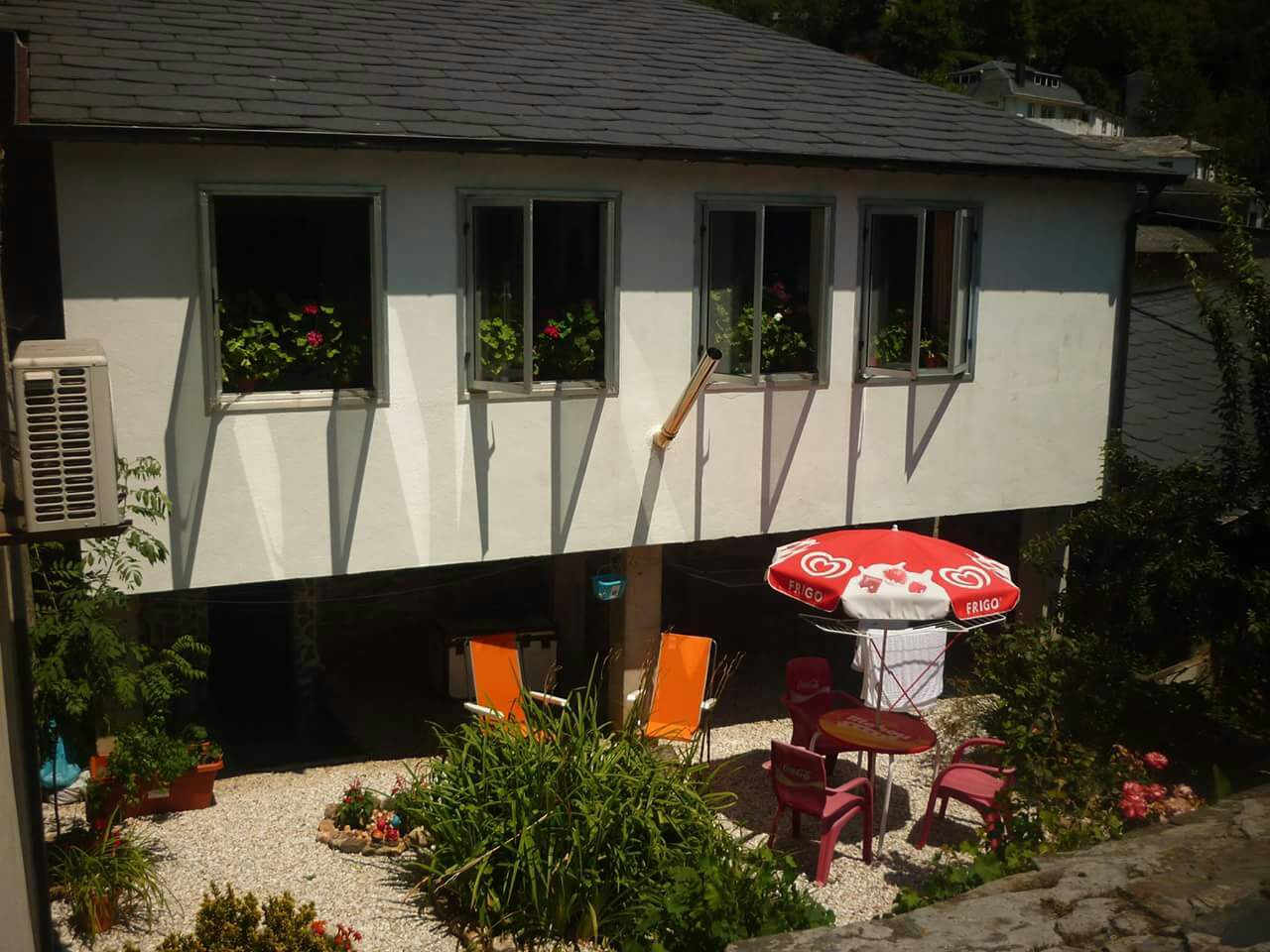 Reserva Tu Habitación en Samos