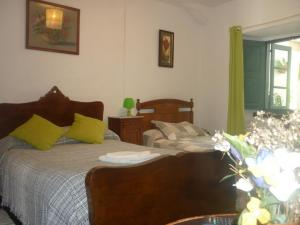 alojamiento-en-samos-habitacion-2