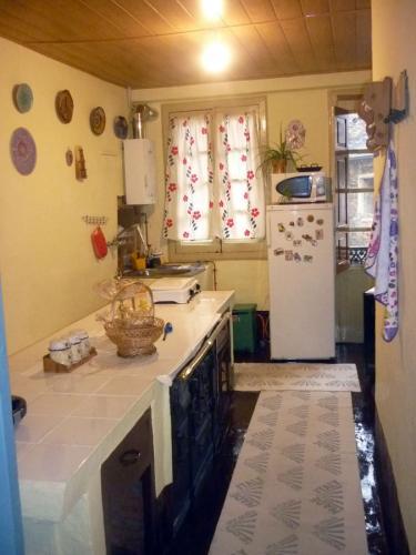 mesa-cocina-santa-rosa-pension-samos